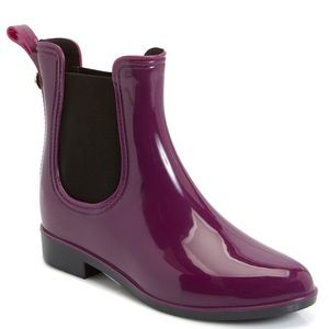 Nicole miller Chelsea boots size 10 like new